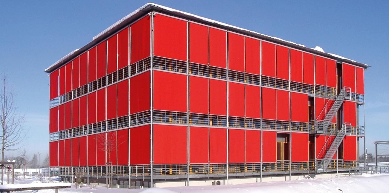 Ein Bild des Gebäudes mit den Büros des Medizin-Verlags Gfi im Osten von München